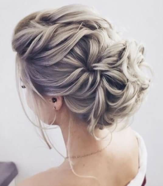 Pin By Burgh Brides On Messy Buns Hair Tutorials Romantic Updo Hairstyles Medium Hair Styles Easy Hair Updos
