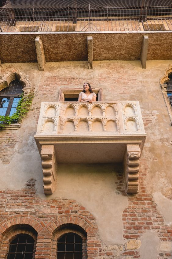 Why Verona Is My Favorite City In The World | Verona, Italy | Lovely Travel » Live Lovely Photography #verona #letterstoJuliet #italy #Veronablog #travelblogger #lifestyleblogger #travelwriter