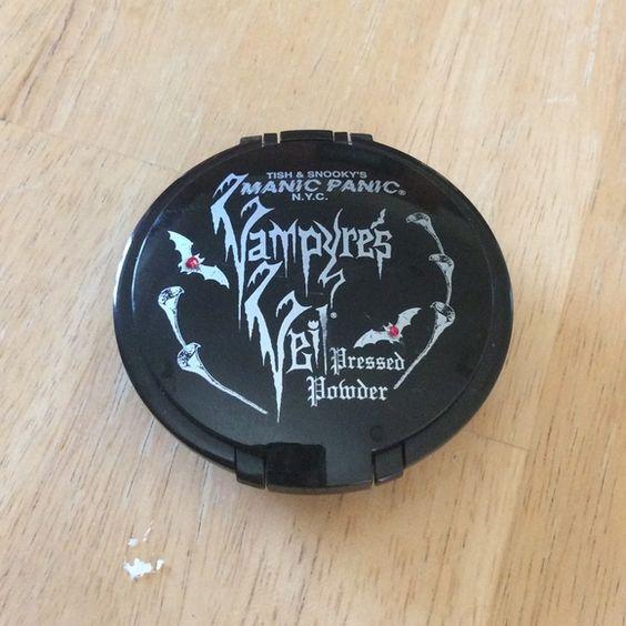 Manic Panic Vampire's Veil Pressed Powder Never before used Makeup Face Powder