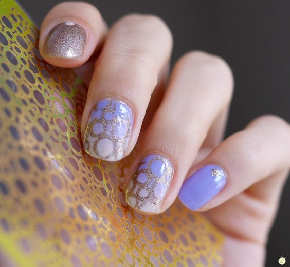 nail art pochoir bulles