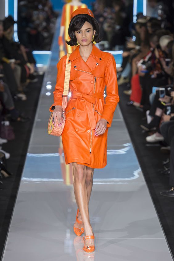 Moschino Fall 2018 Ready-to-Wear Collection - Vogue