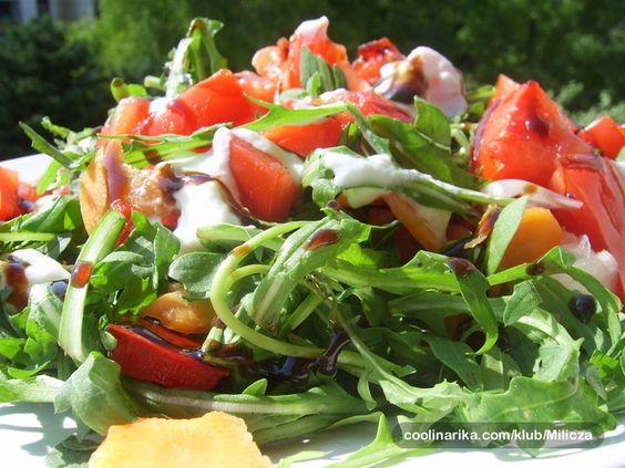 bogata salata od rikole s otmjenim dressingom