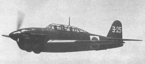 """十三試艦上爆撃機 Yokosuka D4Y-2 Susei. The Yokosuka (横須賀 _ Developed by navy aeronautical Department , 海軍航空技術廠. D4Y Suisei (""""彗星"""" """"Comet"""") Navy Carrier Dive bomber was operated by the Imperial Japanese Navy. Its Allied reporting name was """"Judy"""". This photo's type , It's flood cooling engine type."""