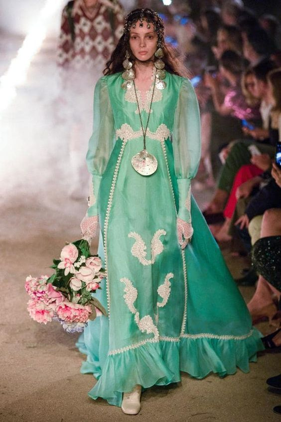 "Neo mint Think the nature-inspired, pastel shade of green seen on the Gucci resort 2018 runway above, reminiscent of ""a stick of Spearmint gum that's just been unwrapped — and feels as fresh."""