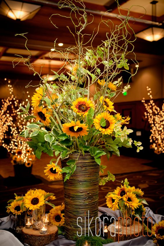 Oh I want to do this for the tables! GORGEOUS
