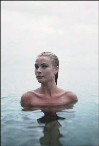Grace Kelly by photographer Howell Conant. A Beauty forever lost