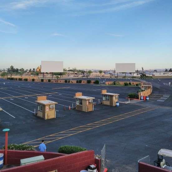 West Wind Drive In Glendale9 Facebook Com Drive In Theater Drive In Movie Theater Drive In Movie