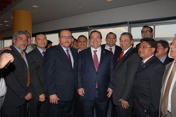 El gobernador Javier Duarte de Ochoa sostuvo una reunión con miembros de la Cámara Nacional de la Industria de la Transformación (Canacintra).