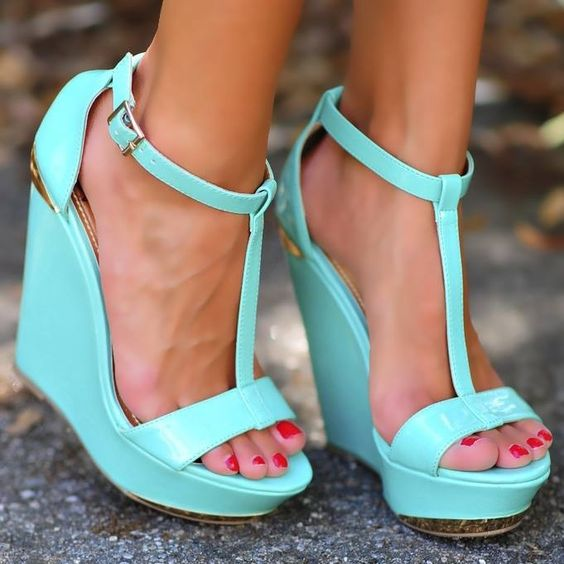 Tiffany Blue. Yes please!!
