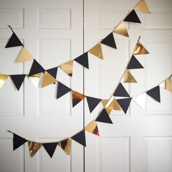 Guirlande de fanions bannière pour partie de décor noir et or.