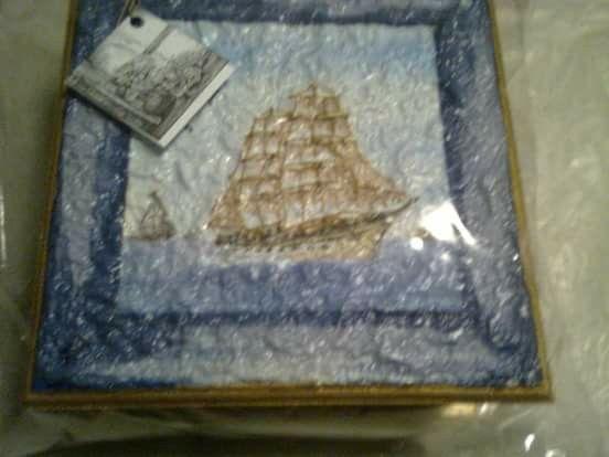 Caja de té con velero