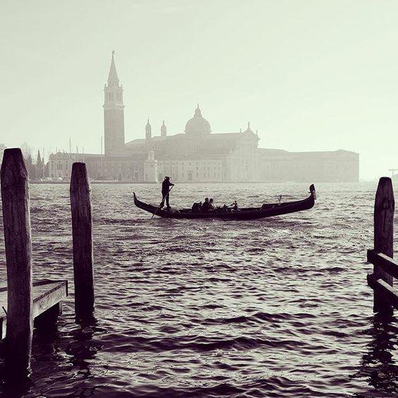 Na laguně. #benatky #venice #venezia  Discover Venice - Discover Venice přidal(a) novou fotku.