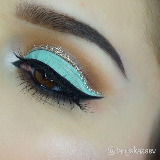 Princess jasmine eye makeup glitter Tiffany blue eyeshadow