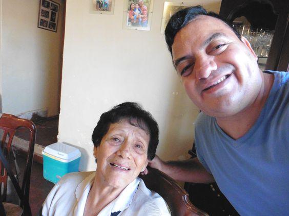 Con mi abuela en el día de la madre 2016.