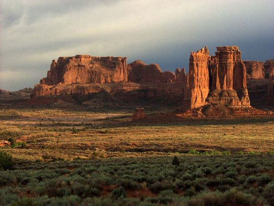 There are few places that compare to the Moab area when it comes to beauty. Once you come visit, you'll never want to leave.