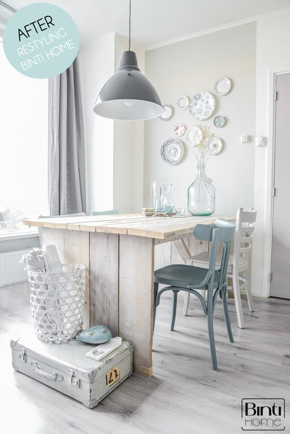 Binti Home Blog: A colouradvice for a diningtable, before and after, d.i.y. chairs, pure and original, painting chairs, chalk chairs, restyling diningroom, plates on the wall