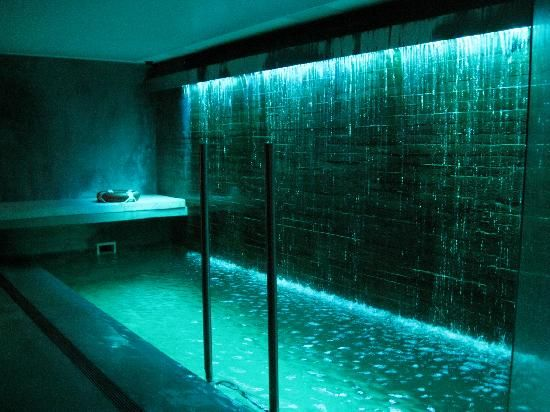 Indoor pools boutique hotels and mansions on pinterest for Indoor garden pool