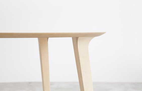 STUA Lau table