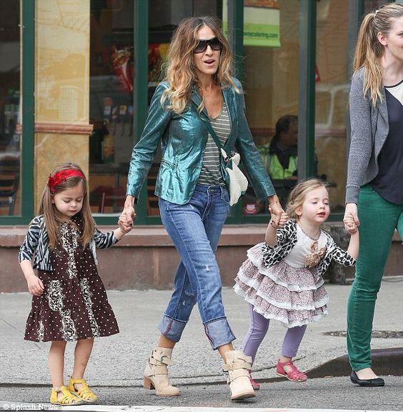 Sarah Jessica Parker & daughters. <3
