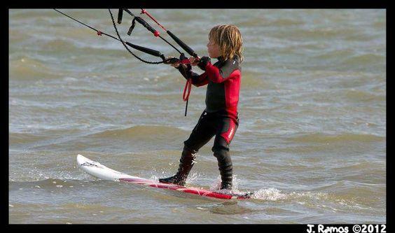 Youngest Kitesurfer - 3 Years Old - http://www.extrahyperactive.com/2012/12/youngest-kitesurfer-3-years-old.html  #kiteboarding , #kitesurfing , #adventure , #travel , #extremesports , #HyperActiveX