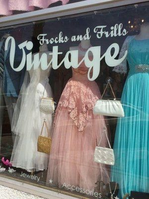 Vintage clothing dealers in illinois