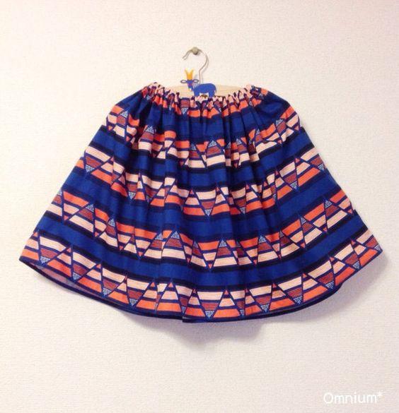sunsetフレアスカートはキッズサイズを基本として作っておりますが、大人サイズへのお仕立ても可能です。ビビットな色合いの中に深いブルーが入り落ち着いた印象で...|ハンドメイド、手作り、手仕事品の通販・販売・購入ならCreema。