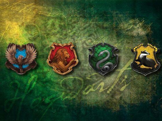 Hogwarts House Sorting Quiz Pottermore Version Harry Potter Background Harry Potter Wallpaper Harry Potter Houses Crests