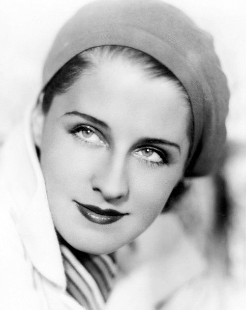 Norma Shearer, 1930s, photographed by the ORIGINAL glamour shots man, George Hurrell.