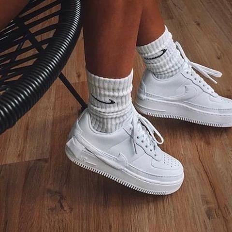 White nike socks, Nike socks outfit