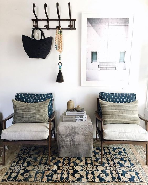 beautiful home decor. mid century modern chairs paired with boho styling