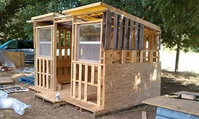 pallet shed - Maybe Steve could do this. Think he could ...