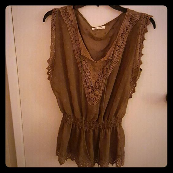 Francesca's Collection taupe blouse Worn once. Great condition. Francesca's Collections Tops Blouses