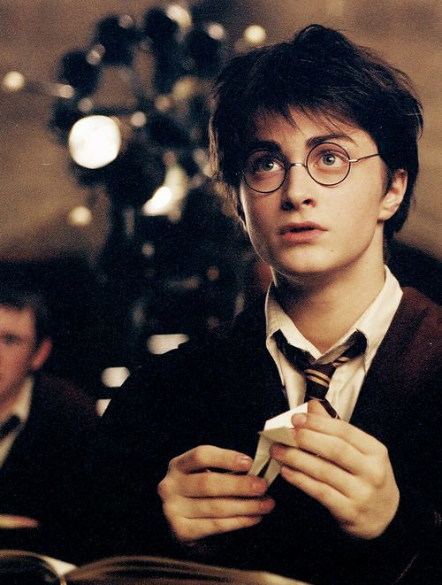 Really good pic of Harry, and really the only movie in which Daniel Radcliffe was styled to LOOK like Harry.: