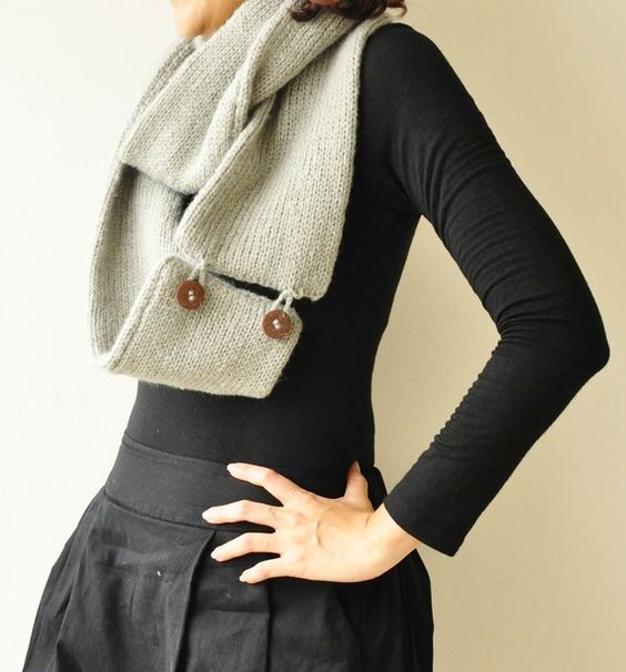 hand knit scarf, I like the button detail..must do this
