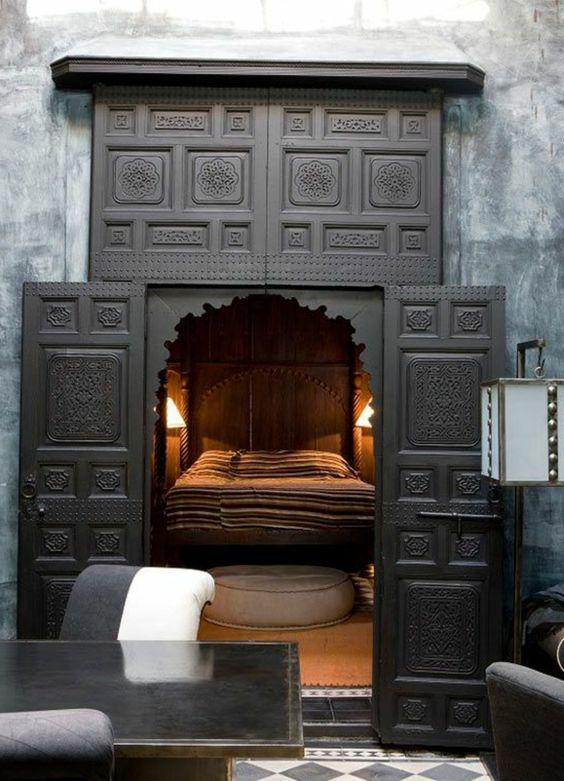 orientalisches schlafzimmer einrichten sch nes bett gestalten orient indisch japanisch. Black Bedroom Furniture Sets. Home Design Ideas