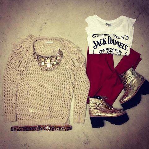 ★ Wishlist #07    Musculosa Jack Daniels   Sweater flecos (proximamente, entra la semana que viene)   Calzas bordo   Ringo VIP High   Cinturón print tigre