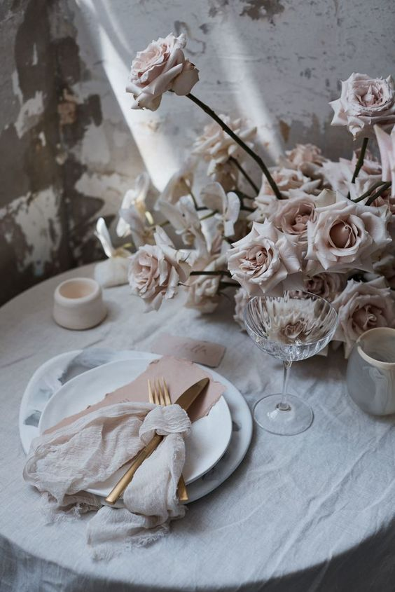 Vintage roses in wedding bouquets and flower arrangements
