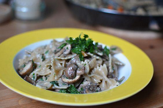 Recipe: yummy pasta with mushroom sauce. Perfekt for autumn/fall and it's also vegan.  // Ein leckere Rezept für Pasta mit Pilz-Sauce. Perfekt für den Herbst und das Gericht ist obendrein auch noch vegan. (:   Pixi mit Milch - http://www.mitmilch.at/pixi/archives/8606