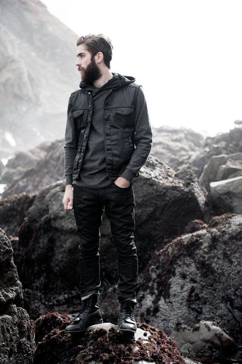 perfect hipster hiking outfit beach
