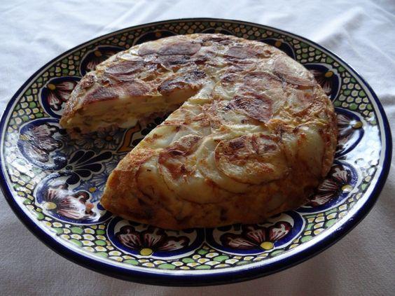 Spanish Omelet | http://thememorablekitchen.com/spanish-omelet/
