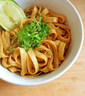 Easy Pad Thai. #foodporn #recipes #vegetarian