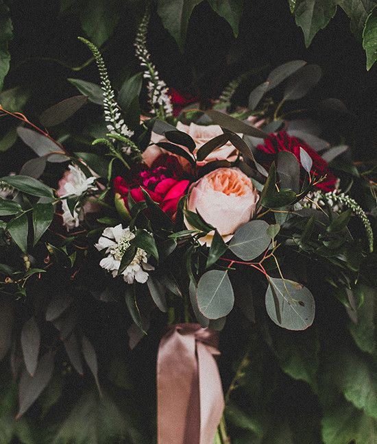 romantic wedding bouquet @weddingchicks Love this hanging ribbon which matches the bridesmaid gowns