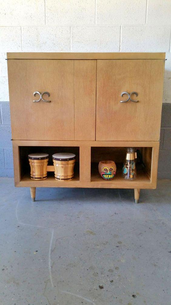 Early 1950u0027s Admiral TV Radio Record Player Repurposed As A Liquor Cabinet.    Ernieu0027s Mid Century Finds   Pinterest   Liquor Cabinet, Repurposed And  Mid ...