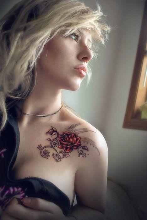 flower tattoo on the shoulder