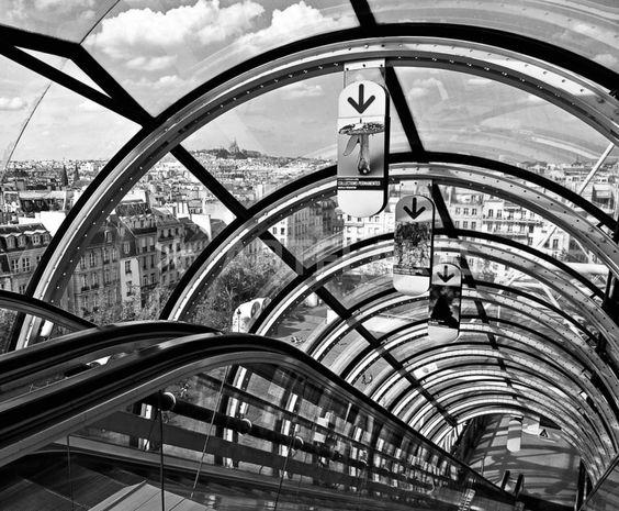 """""""Centre Pompidou (4)"""" Fotografie als Poster und Kunstdruck von Renate Reichert bestellen. - ARTFLAKES.COM"""