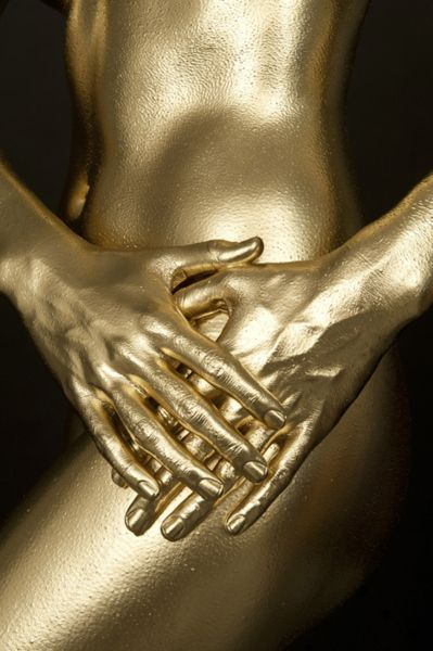 Golden eye.: Gold Rush, Gold Finger, Color Gold, Gold Silver, Midas Touch, Golden Girl, Gold Body, Body Paint