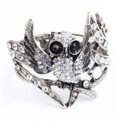 Retro and Punk Style Owl Shape Rhinestone Inlaid Bronze Bracelet