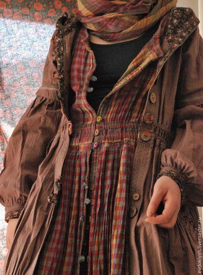 Купить или заказать ОДЕЖДА ДЛЯ СВОБОДНЫХ НАТУР в интернет-магазине на Ярмарке Мастеров. ГОТОВАЯ ВЕЩЬ КУРТКА ВЫШИТАЯ куртка из плотного вареного льна.Украшена кокосовыми пуговицами,швы оформлены вышивко…: