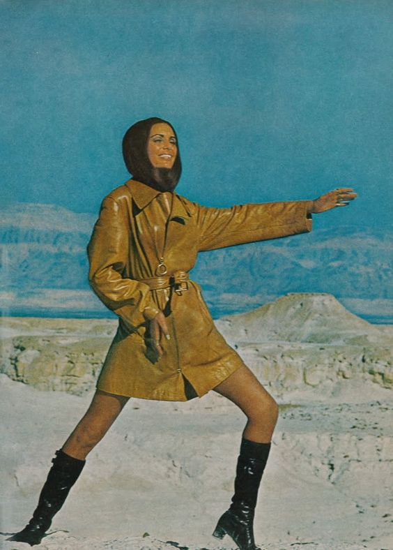Daliah Lavi, Vogue 1969, by John Cowan:
