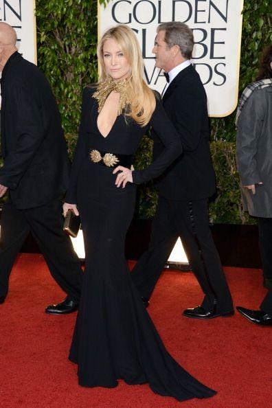 Kate Hudson lució el Boite de Nuit Clutch de Roger Vivier en los Golden Globem Awards http://aloa-chusmartin-and-ronnierodriguez.blogspot.com.es/2013/01/los-globos-de-oro-y-las-celebrities.html